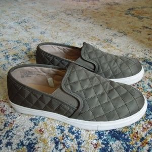 Mossimo Supply Co. Green Quilted Sneakers Size 7